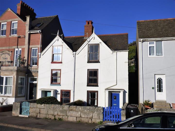 Tompot Cottage