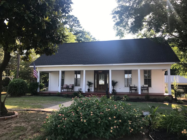Grable Creek Farmhouse (1st Floor)