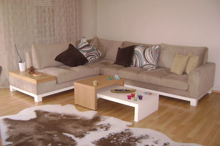 Two Private Rooms at Flat - Bostanlı / Karşıyaka