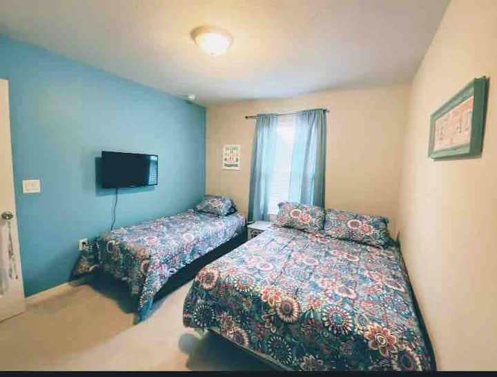 Nice room to share with your friends or family.