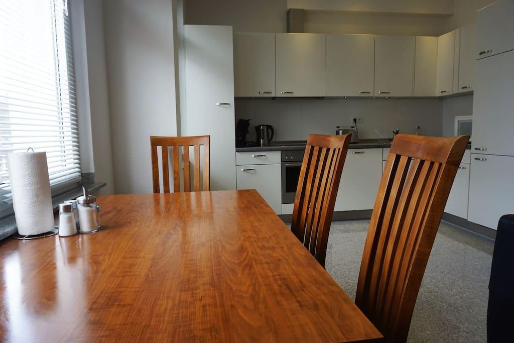 iii moderne wohnung mit 2 schlafzimmern wohnungen zur miete in duisburg nordrhein westfalen. Black Bedroom Furniture Sets. Home Design Ideas
