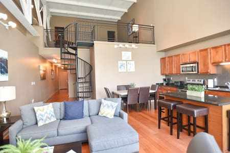 Modern Lakeview Condo-Cedar Pt & Sports Force Park