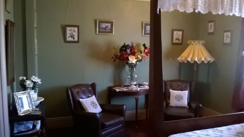 Beaconsfield Heritage Accommodation - Beaconsfield - Bed & Breakfast