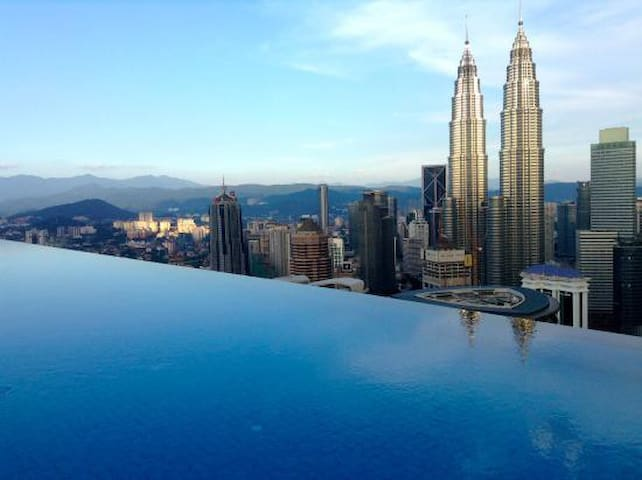 INFINITY  POOL & CONFORTABLE ROOM  KLCC TOWER (04) - Kuala Lumpur - Serviced apartment