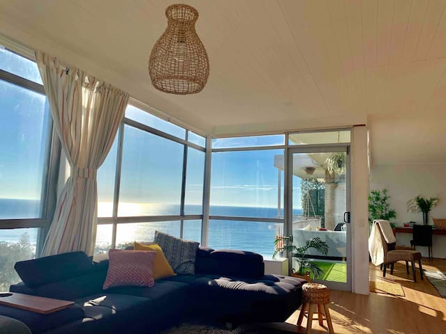 Unbeatable view, full of light and only 2 mins walk to beach living room has two large corner sofas and a sofa bed which sleeps two persons comfortably
