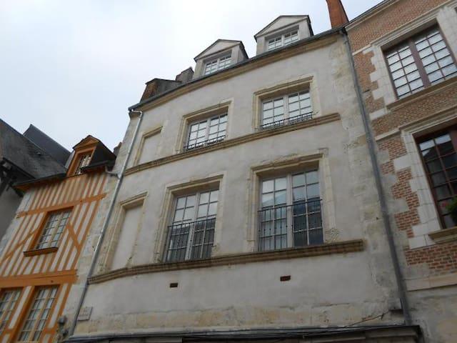Appartement privé dans centre historique d'Orléans