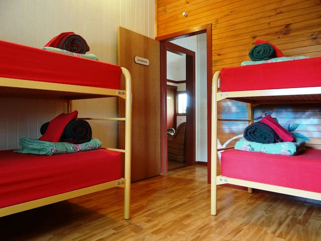 On the Wallaby Eco Lodge - Dorm Room