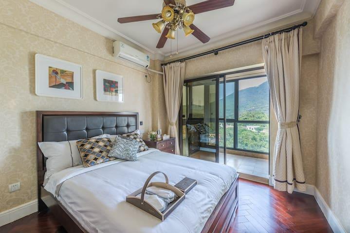 三亚,大东海,70平方一室一厅一卫一厨房,海景酒店式公寓