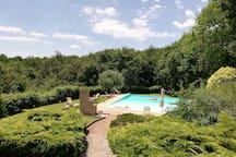piscina con vista panoramica /swimming pool with panoramic views