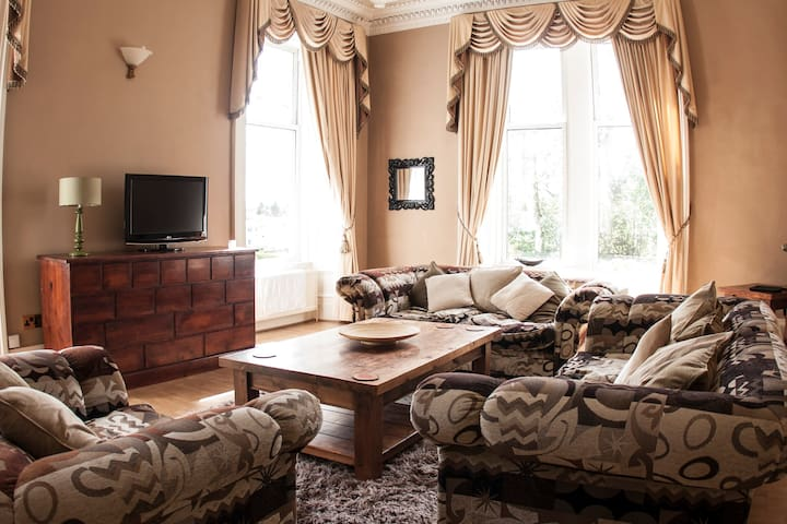 Walker House - Kilmarnock - Pis