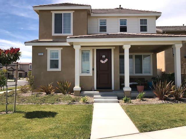 Family house in friendly, safe neighborhood - Oxnard - House