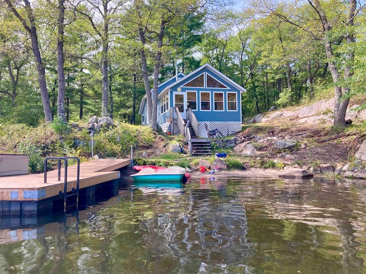 Cottage Living on the Lake