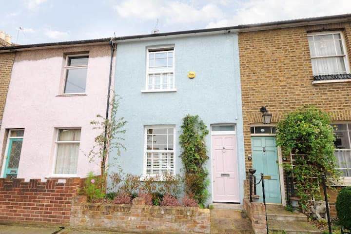 Beautiful London home beside station to Waterloo - Brentford