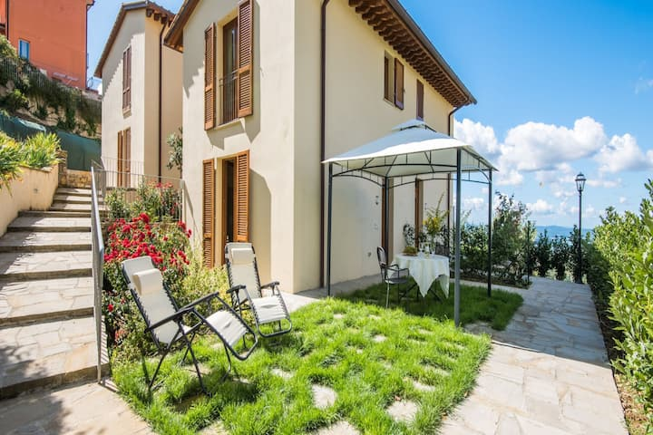 Charming apartment in Castellina in Chianti with garden
