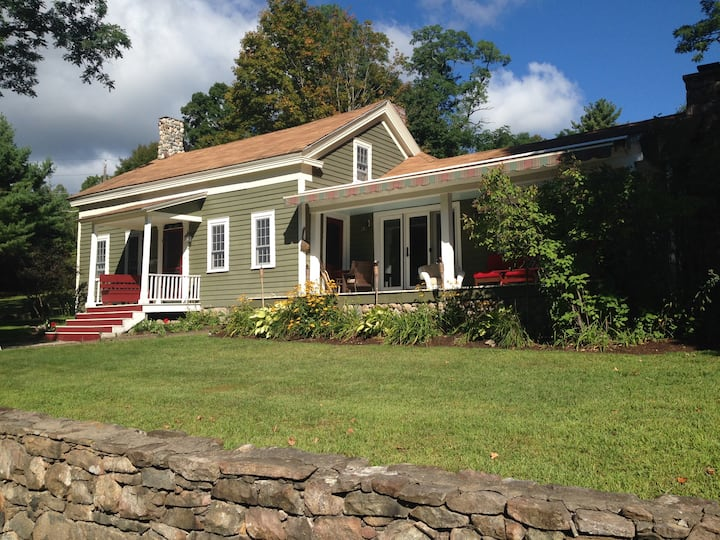 Lake George, NY - 1804 Farmhouse and Bunkhouse!