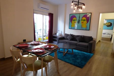 Enjoy a cool and comfy stay in Mar Mikhael - Beirut - Apartmen
