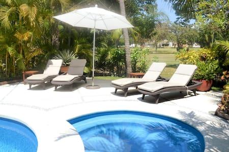 • Verano en la playa •  Villa en Diamante | 4BR