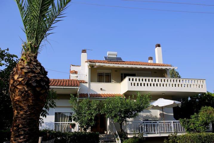 Nea Peramos holiday house