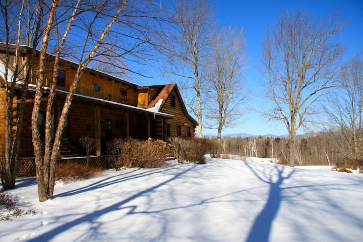 The Landy's Log Cabin - Mount Holly - Casa