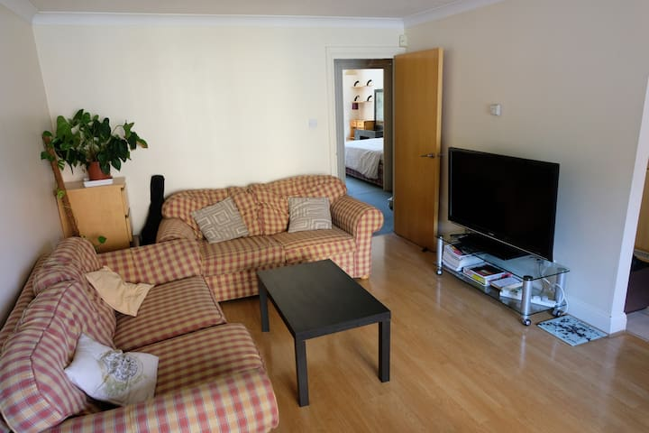 2 Bedroom Flat - Westferry, Canary Wharf, London