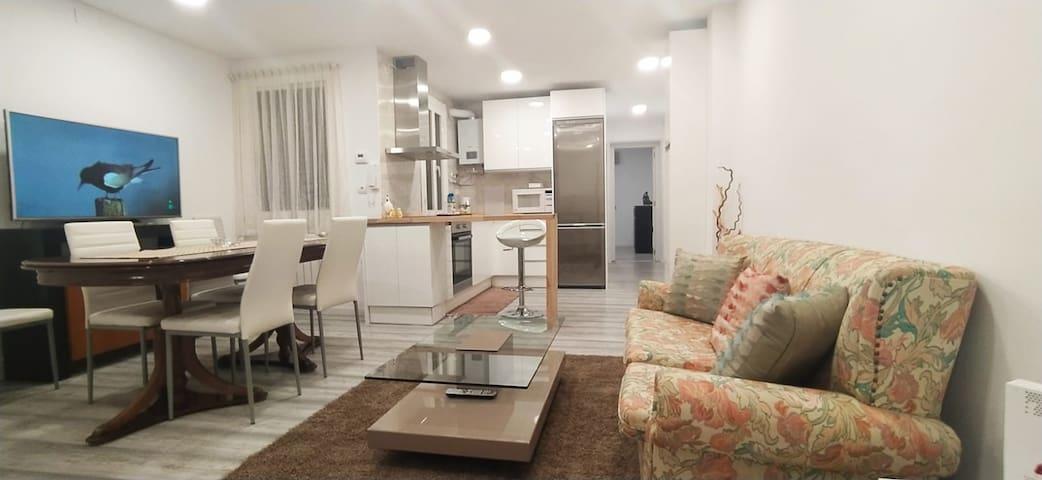 Piso cocina americana 3 dormitorios muy acogedor