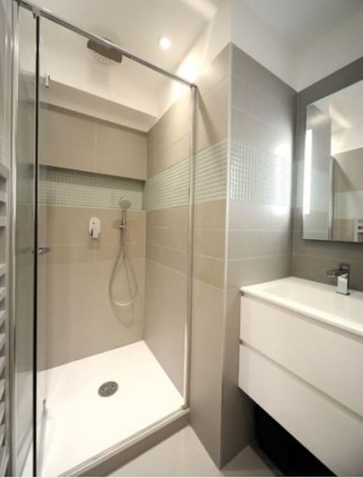 There are 2 bathrooms. One with a shower and one with a bath.
