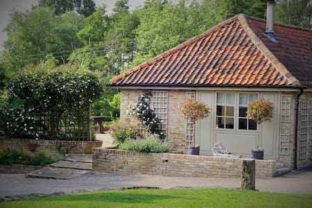 Luxury 2 Bedroom Cottage - Long Melford