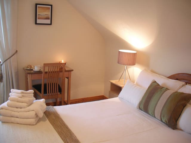 Cornerstones B&B double room with a View - Moyard - Bed & Breakfast