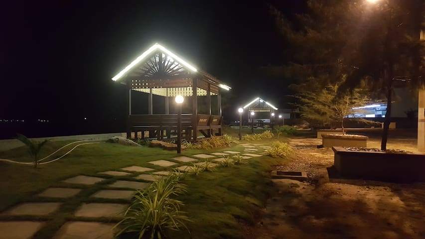 Sungai Rengit Homestay/Resort - OceanView Deluxe