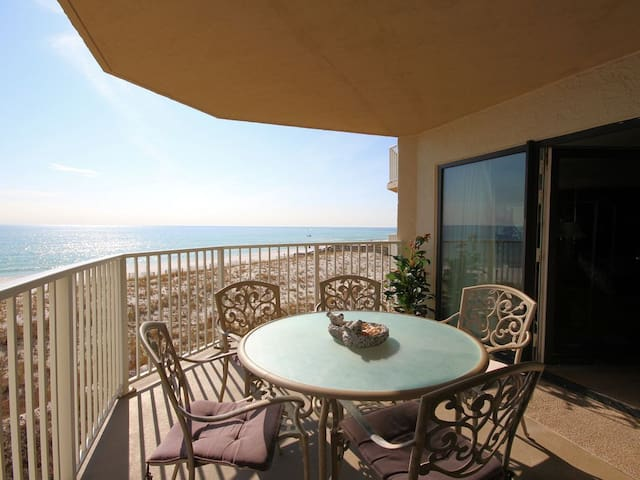 Inlet Reef 207: Gulf Front Escape (2 Bed / 2 Bath - 1,362sq ft.)