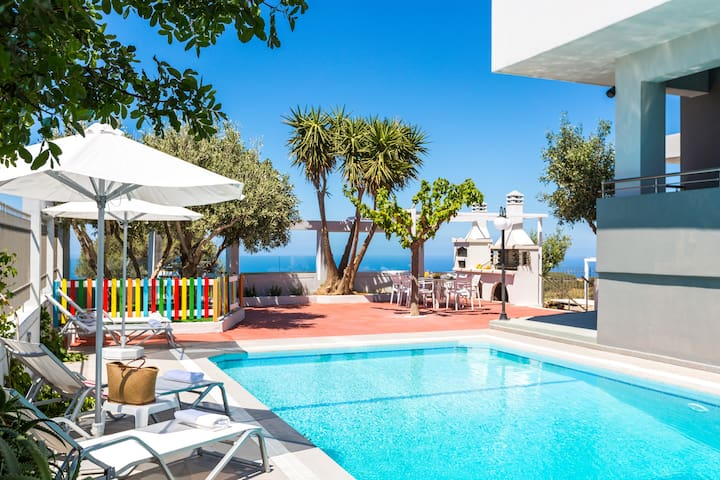 Villa Dianna ,Sea View and Sunset & Full Privacy ! - Somatas - Villa