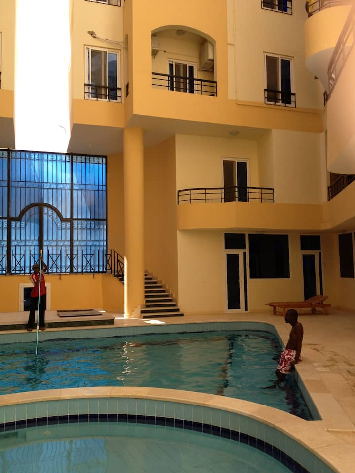 Tiba Palace Studio poolside