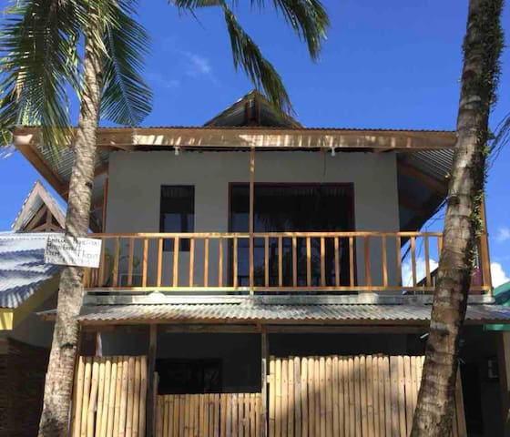 Tropical Private AC Room–Good Location near KERMIT
