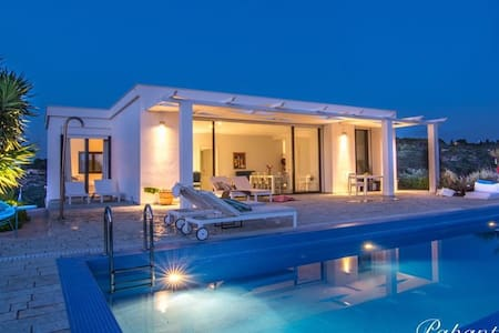 Luxury house in zante