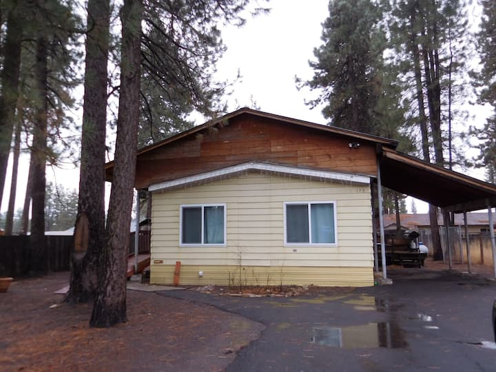 Chester vacation cabin near Lake Almanor