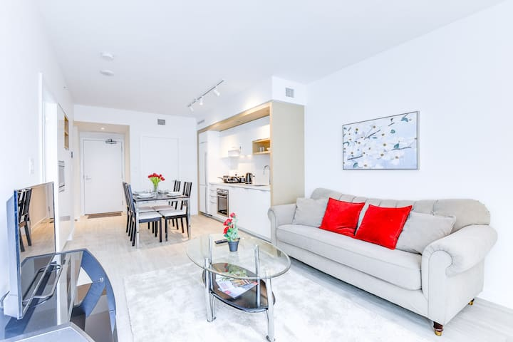 Amazing 1BR Apartment in the Olympic Village