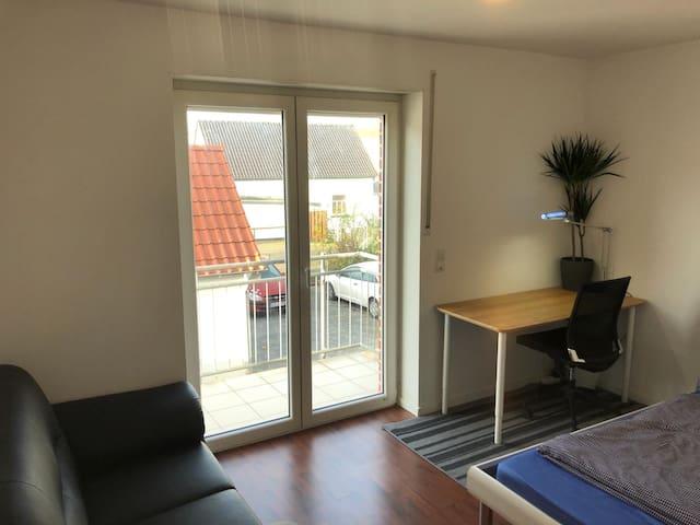 Zimmer in einer Neubau Wohnung in zentraler Lage