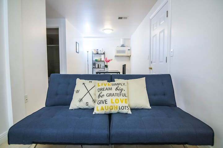 Ping-Pong Game House 2BD/1BA - 1min to Bart