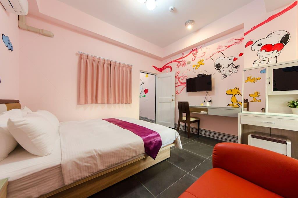 典雅的化妝臺提供女房客化妝整理衣容的房間
