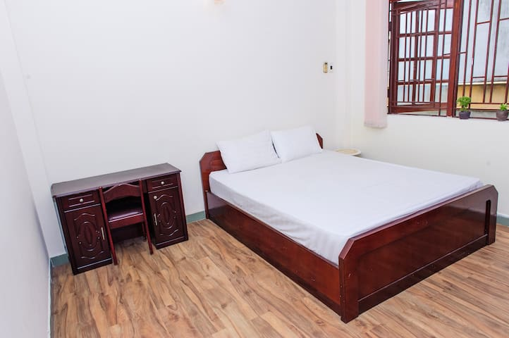 City center serviced apartment good price