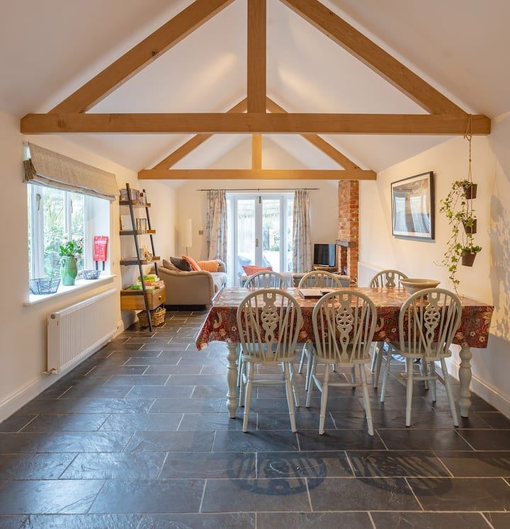 Superb retreat in the Village of Kelling