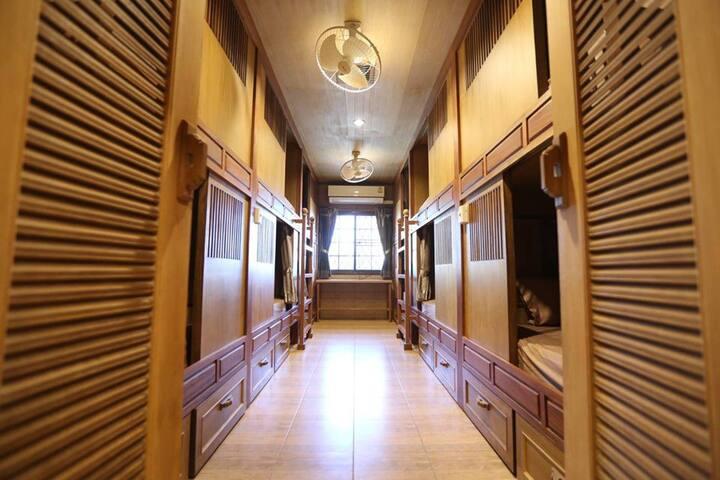 Golden Pagoda Hostel&Cafe