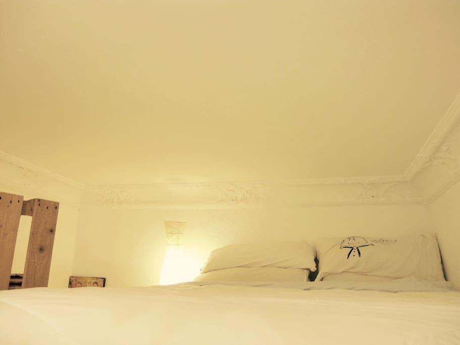 Bedroom upstairs. Tempur-pedic mattress.