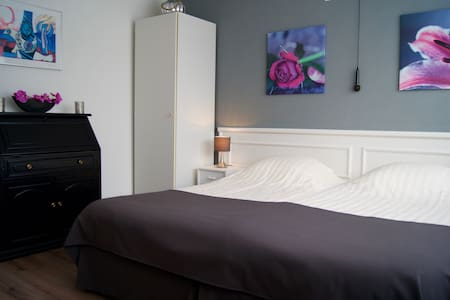 The Studio Guesthouse Kamer 2 - Volendam