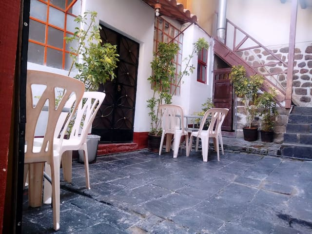 Get a triple room/enjoy and have fun on Cusco town