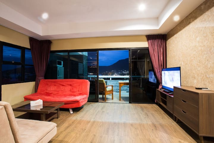 PATONG TOWER SEA VIEW 3 BEDROOMS JACUZZI