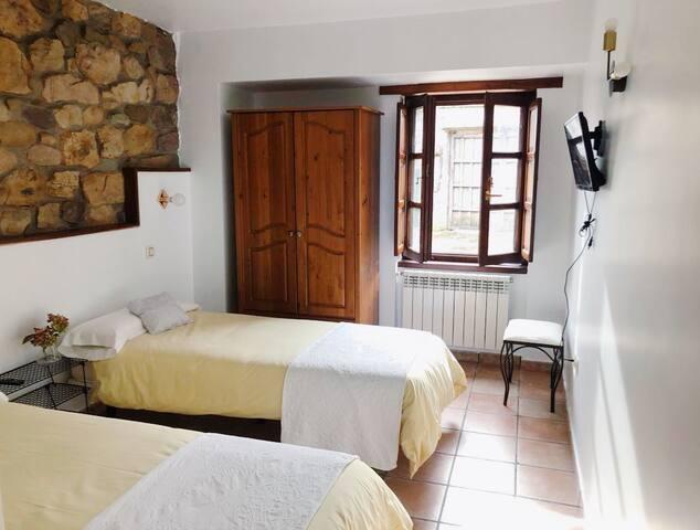 Habitación doble baño privado en Bed&Breakfast
