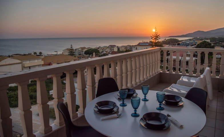Utopia Seaside Apartment