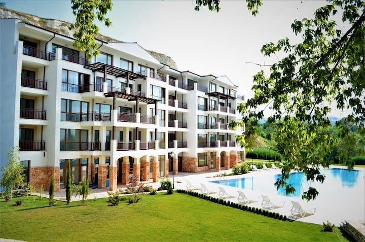 Apartment with two bedrooms,Komplex Balchk Gardens