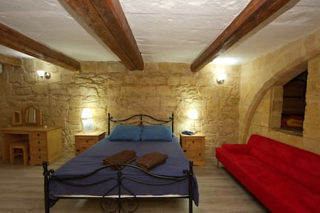 Knight age apartment in Birgu - Birgu